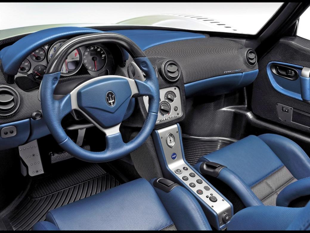Maserati MC12 wnetrze 1280x960_275