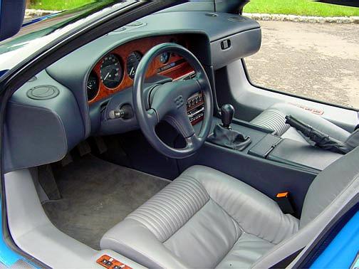 Bugatti_EB110-2