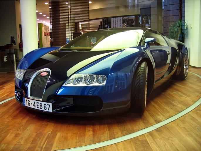 Bugatti_Veyron_16.4_2