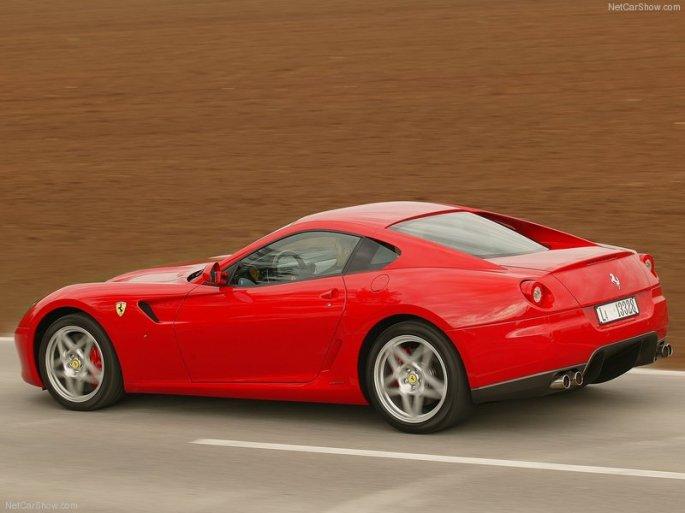 Ferrari-599_GTB_Fiorano-2006-800-56