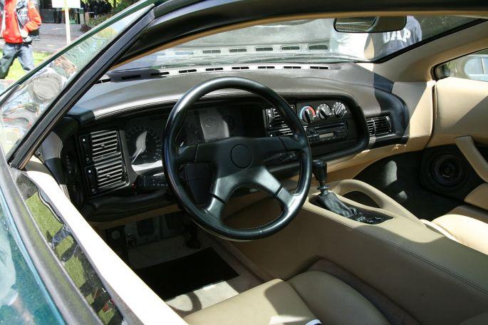Jaguar XJ220-2